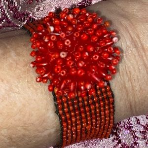 Seed beaded stretchy flower bracelet